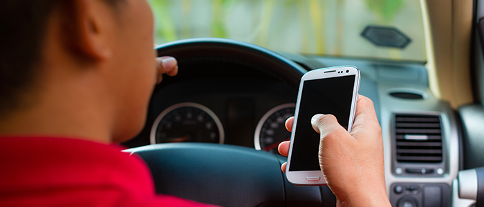 Las 5 distracciones más comunes en conductores de coches