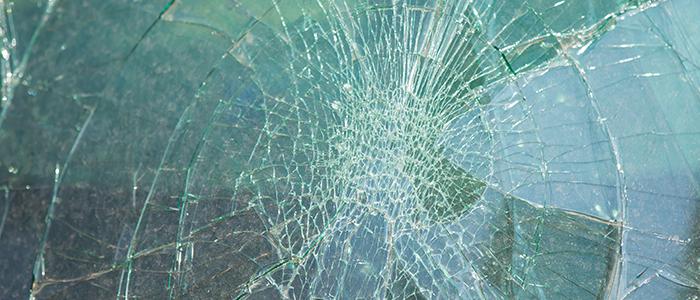 Cómo ayudaría el vidrio de seguridad a prevenir accidentes