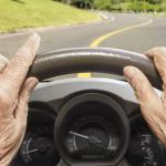 Carnet de conducir en adultos mayores