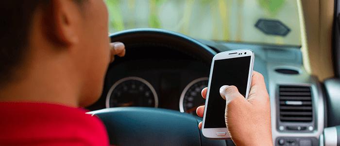 usar teléfonos móviles al volante