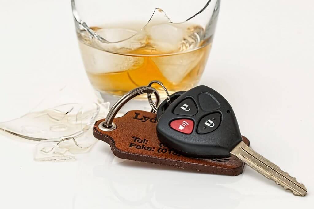 El peligro de conducir bajo los efectos de las drogas y el alcohol