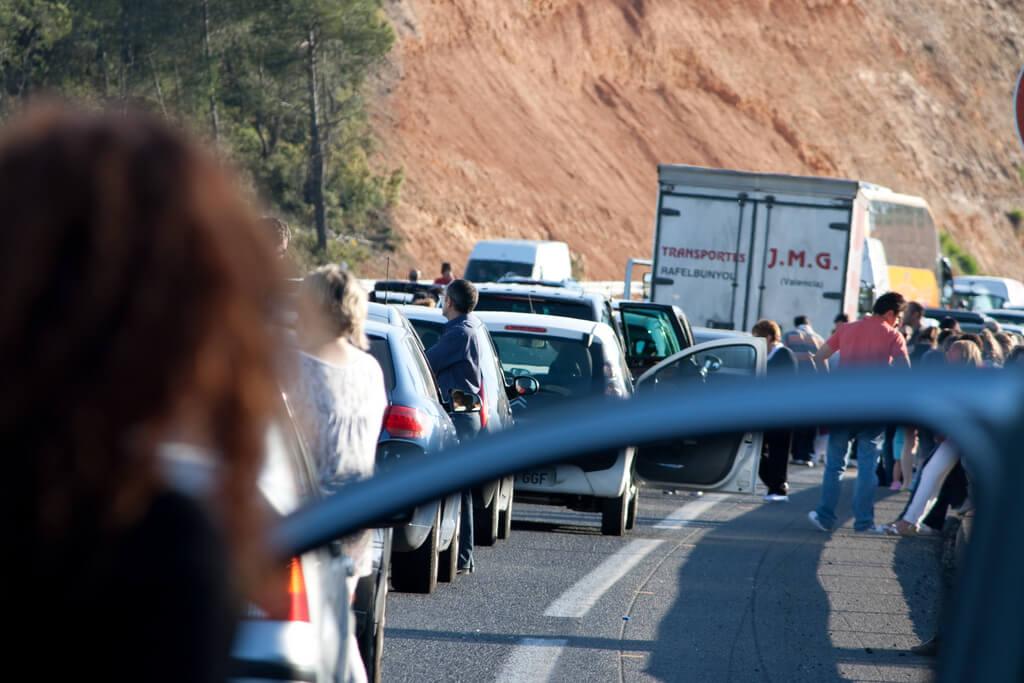 conducir cuando hay un atasco en la autovía