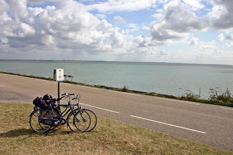 Consideraciones con los ciclistas: cómo circular
