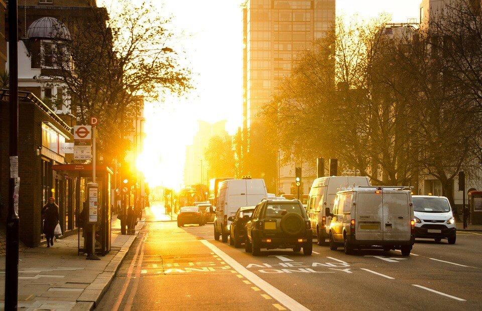 Conducir con el sol de frente