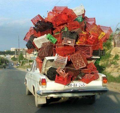 asegurar el equipaje en el coche