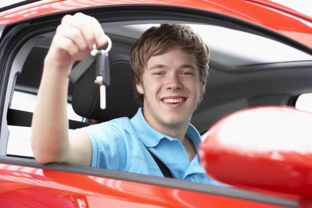 ¿Es delito enseñar a conducir a tu hijo?