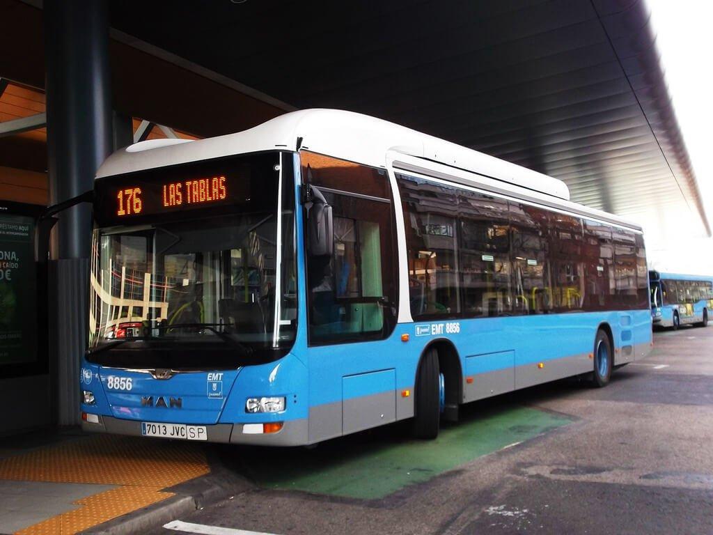 caída en el autobús