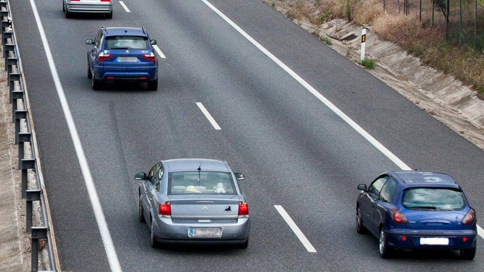 Conducir por el carril izquierdo te hace culpable