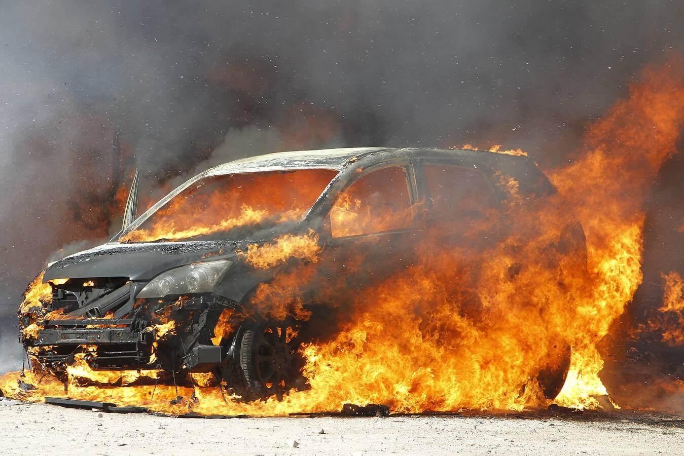 causas de incendio de vehículos