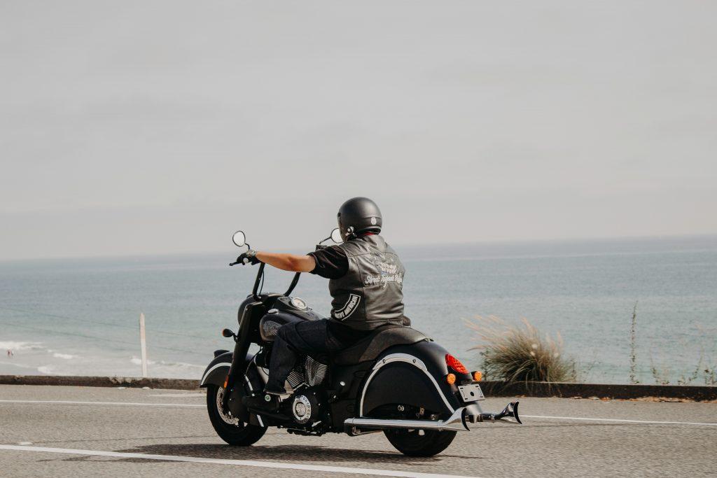 """<span class=""""entry-title-primary"""">Cómo evitar los accidentes de moto</span> <span class=""""entry-subtitle"""">La tasa de accidentes de moto se ha incrementado significativamente en los últimos años en España según cifras de la DGT. Por eso hoy te diremos cómo evitar los accidentes de moto para que te mantengas siempre a salvo.</span>"""